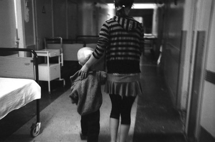 Жизненное пространство. Узкий и длинный коридор – единственное место, где родители могут погулять с детьми